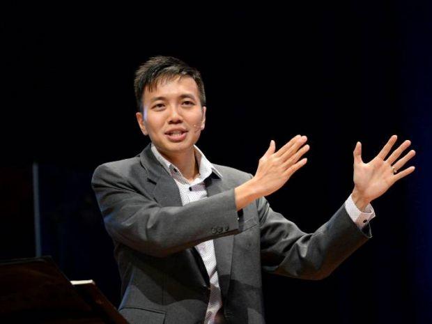 Pr Alex Tan