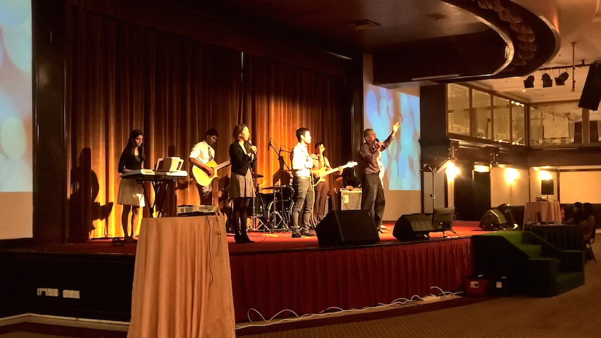 The-Praise-and-Worship-Team-of-City-Revival