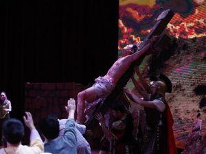 吉隆坡第一神召会《苦难之路》复活节歌舞剧叙述耶稣生平